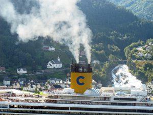 Pipe med røyk Fotograf: Arne Inge Tryggestad